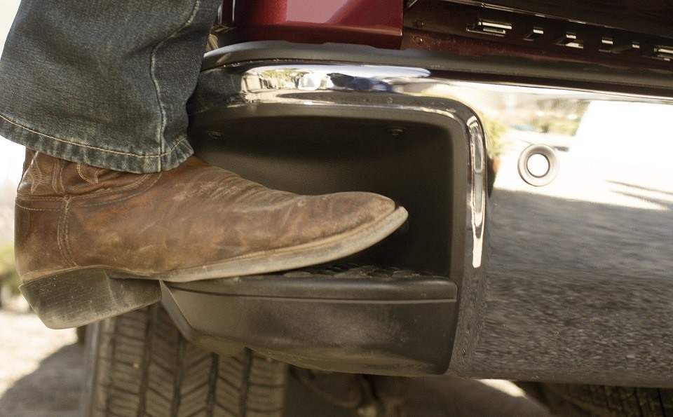 CornerStep on the 2014 Chevrolet Silverado