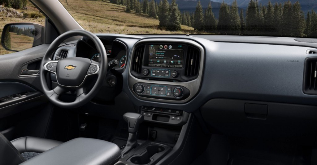 2015-Chevrolet-Colorado-027-medium