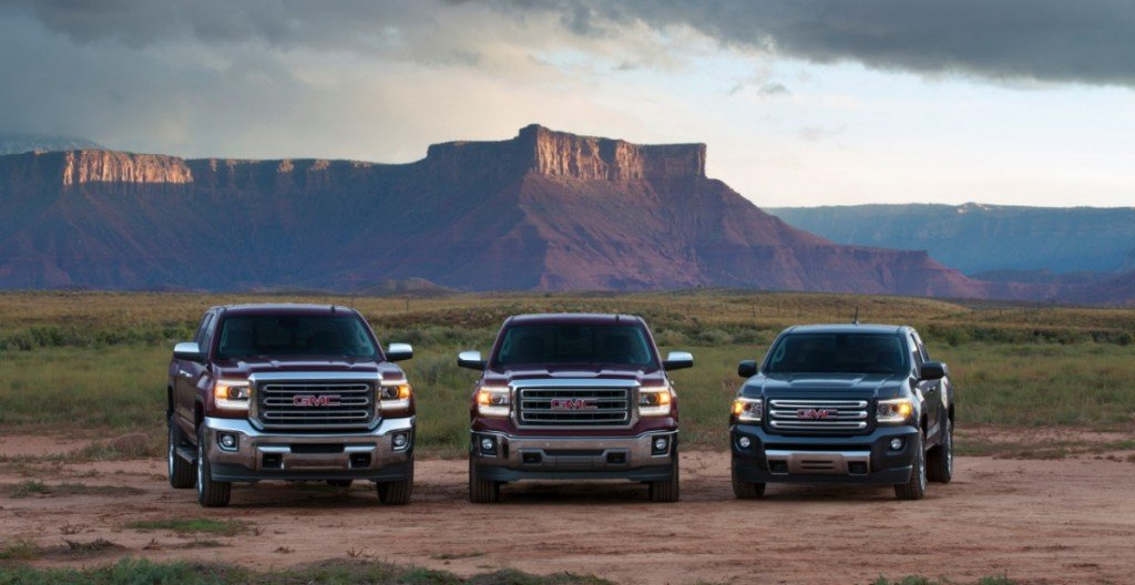 2015-GMC-Canyon-with-GMC-Three-Truck-004-medium