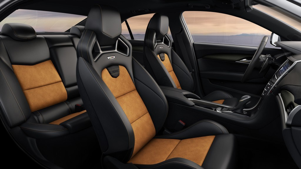 New 16-way adjustable RECARO sport seats feature performance bolsters but also provide maximum comfort for daily driving.