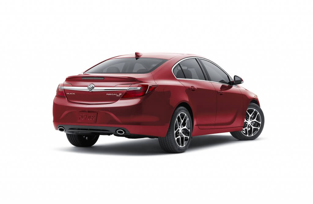 2016 Buick Regal Sport Touring – features special 18-inch whee