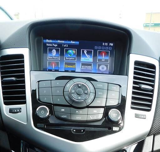 Chevrolet Cruze MyLink touchscreen